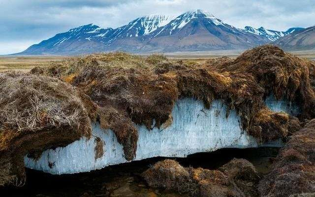 Presence of thick ground ice within permafrost